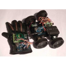 Flex Sensor Controlled HAND GESTURE ROBOT - Arduino & Bluetooth Based